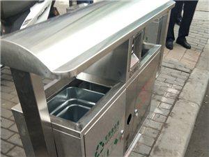 新型整洁干净卫生,环保分类垃圾箱面世了看上去比以前那个又高又大的垃圾桶漂亮多了。