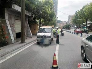 盐亭县公安局交警大队直属中队午间开展酒驾整治