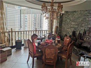 龙翔华府豪装三室低价出售,全屋品牌家具家电,证件齐全可以首付贷款