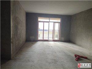 奥园广场楼上毛坯3室低价出售,4300一平,商业地段