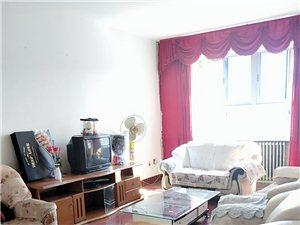 寻找合租单身小仙女多位,地址?:棉花公司家属楼,三室一厅,水电暖齐全,拎包即可入住,房屋干净整洁,