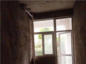 和谐小区毛坯房首付16万左右装修入住