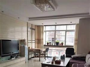 商业城好房出租,3房,精装修,带家具家电只要2万一年。想了解加微信13242948711