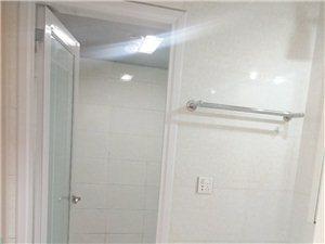 北湖上城,黄金4楼,83个平方,2室2厅1卫,开放式厨房,小区环境优美,拎包入住,59.8万。