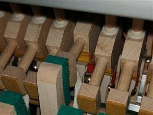 钢琴也是有生命的!钢琴调律!