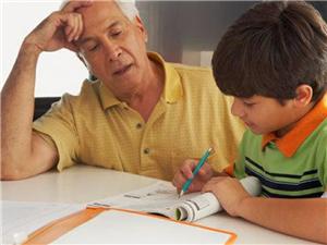 孩子成绩差,家长先反思下这几点,都做到了再要求成绩