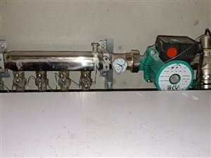 有谁知道暖气上这个铁丝跟铜棒是干嘛用的???