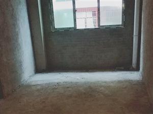 房屋出售,�梯房三室��d一�N一�l,售�r十七�f八千看中可以��r13984897821