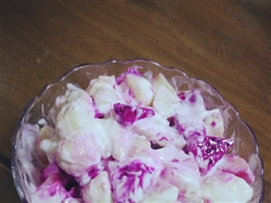 biubiubiu~~~好吃又新�r的水果沙拉�砜�~~~