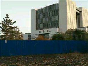 想念我的学校,四年没回了,走的时候图书馆还没盖,现在都已经成型了