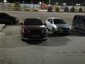 这是龙源小区哪个没素质的车主停个车停着个正门口你让别的车怎么出去