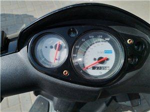 出手比亚乔踏板摩托车一辆