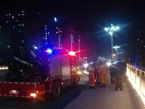 昨晚月儿湾桥有人跳河自杀?真相是.....
