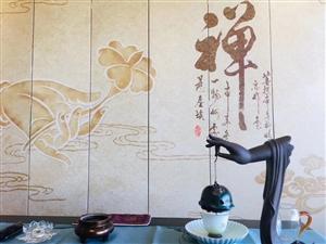 禅茶道一个人的涵养,不在心平气和时,而是心浮气燥时;一个人的理性,不在风平浪静时,而是众声喧哗时