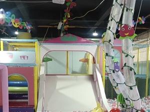 经营中的儿童乐园全套低价转让面积450平,因本人还有一个场地,没时间管理,刚开业两个月,客源稳定,有