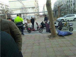 电动车挂牌进小区,为警察的工作点赞!