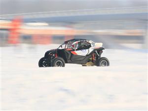 2019年首届中国.铁力冰雪汽车场地赛决赛今天完赛,下午三点钟在铁力西河公园滨河公园赛场结束,并颁奖