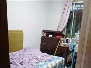 郁江大厦二楼三室两厅一卫,采光好,证件齐全,关门卖40万,价格还可以谈点