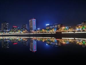 大潢川的夜景