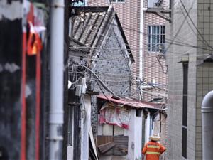 春节假期里最美的保洁员拍摄地点:珠海市高新区上�糯迮纳闶奔洌�2020年元月26日年初二摄影:#