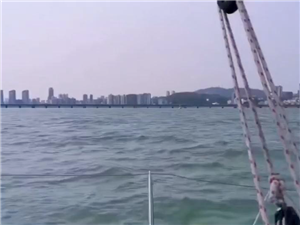 帆船不是�]�,不去人多的地方,就一��人去海上浪一浪,很�芤猓�#宅家健康�\�佑���#之后�出���裉��了