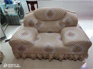 于都周边想量身定做沙发套的朋友,家里沙发也可以做个合体沙发套拆下来机洗啦!