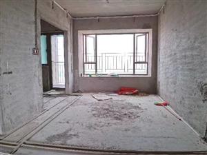 雅居乐君悦4房2厅2卫,141平方,证满二年,南北通透,采光视野好,现业主急售118万。