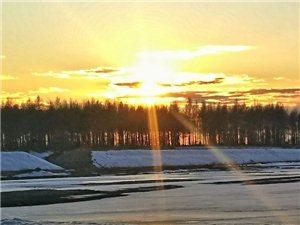 夕阳西下,冰雪消融