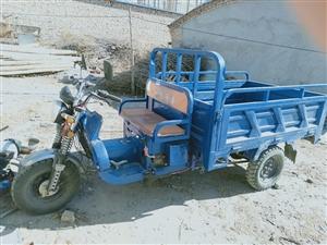 出售三�摩托�八成新�r格面�h.��15004862337