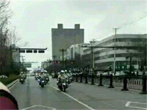 《晓苗,你好》文/郑富民四月二日春寒料峭,我们的英雄晓苗,回澄来了。疫情过后清新的街道,