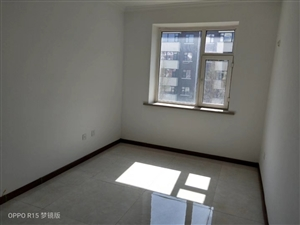 富��春城有精�b房133平3.4.5�呛投嗵酌�坯房出售,�r格便宜,有想要�Y婚的,�Q新房的�s�o���150