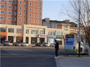 地区医院附近何时能有银行?