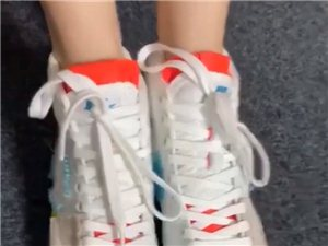 �水鞋�<�
