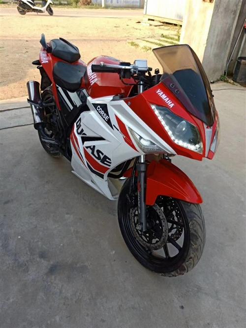 求购一辆国四9.成新排量300cc以上的二手摩托车