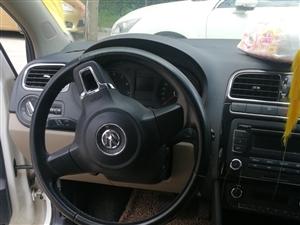 大众polo2011,1.6L自动挡带天窗
