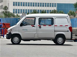五菱之光面包车2011款