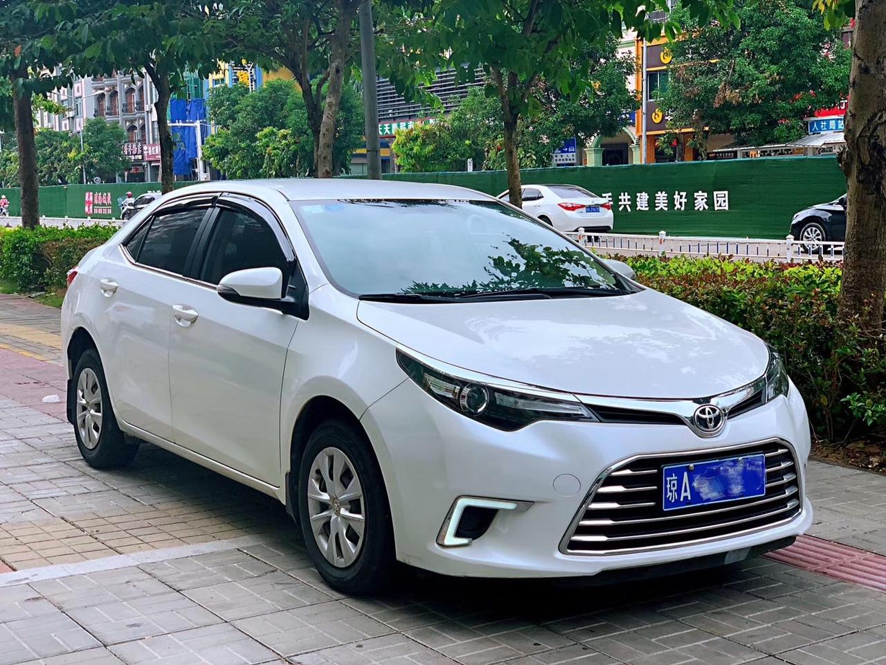 2016年 丰田美版雷凌珍珠白1.6排量