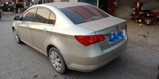 荣威350轿车