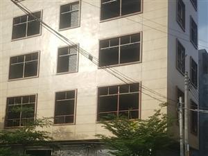 伏坡西路两面ㄨ临街9室3厅9卫10000元/月