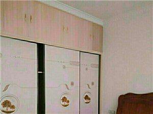 合江利城半岛电梯公寓3室2厅  1000