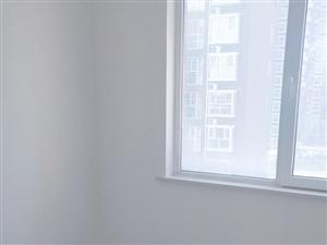 新东城首次出租空房两居,拎包入住,年租9000
