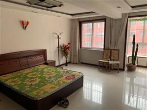 出租:鑫河家苑2室3楼年租8000设施齐全