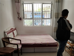 燕都名苑1室1厅1卫833元/月