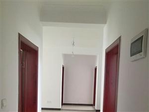 黄国新城四室两厅一厨两卫套房出租