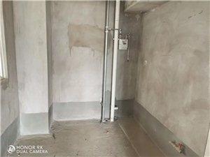 亚威金地3室2厅1卫65万元