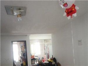 君悦华庭3室2厅2卫1700元/月