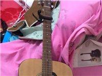 9.5成新雅马哈f310刚苏手2个多月,有吉他包,吉他谱,变调夹,书架喜欢的朋友可以联系我