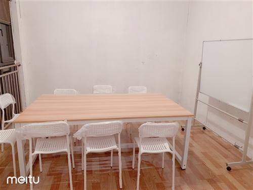 配套桌椅,1张桌子8张椅子400元