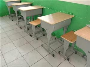 二手桌椅處理,適合中小學生使用