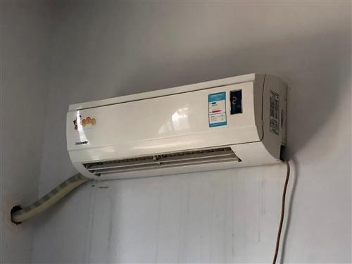 格力挂机空调2台,刚做完清洗1周时间。自己使用,因搬房现出售
